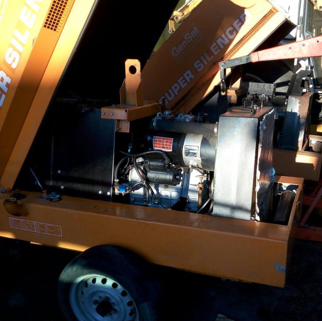 GenSet | Gen. Set. | Motogeneratore da 10-12 Kw | 10-12 KVA | Lombardini | gruppo elettrogeno usato | motosaldatrice | attrezzatura da lavoro usata | Pomilids