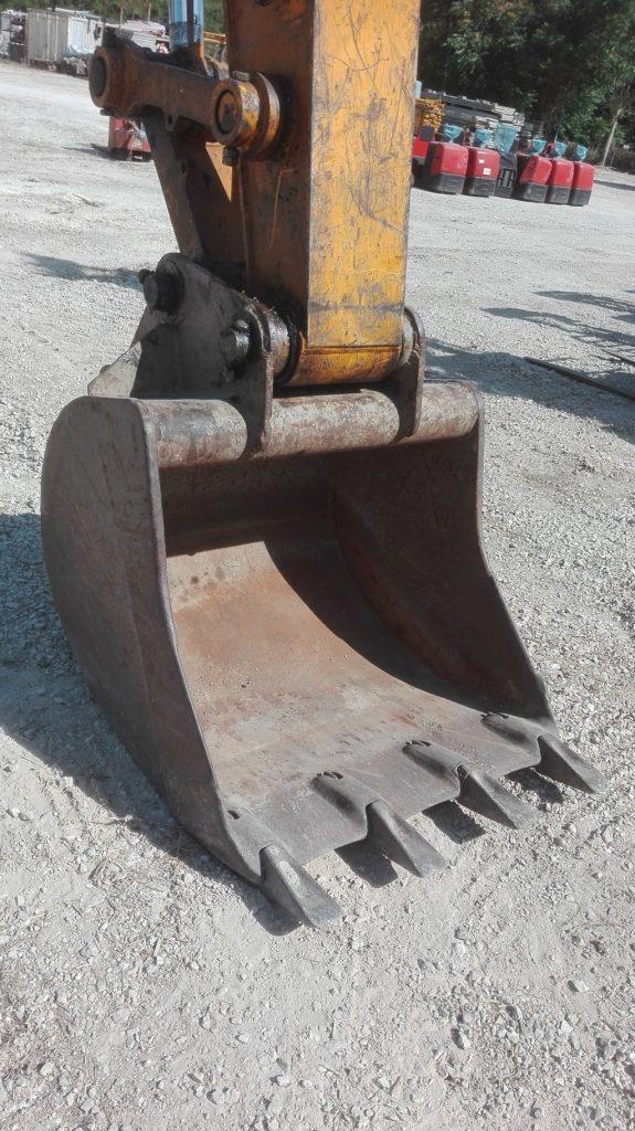Escavatore idraulico cingolato JCB – JS 220N usato (1)