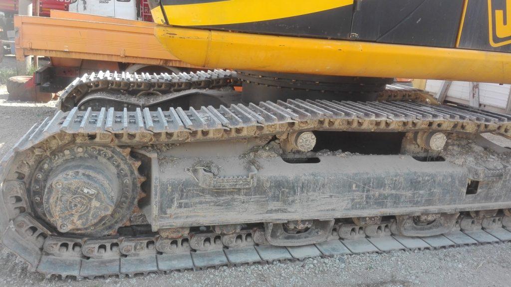 Escavatore idraulico cingolato JCB – JS 220N usato (3)