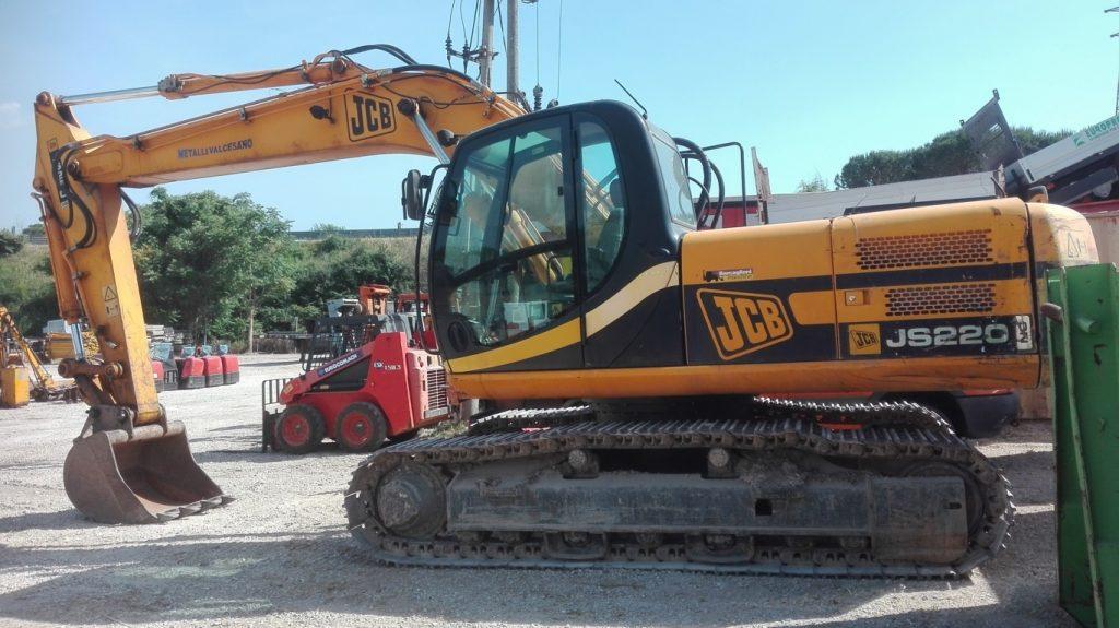 Escavatore idraulico cingolato JCB – JS 220N usato (5)