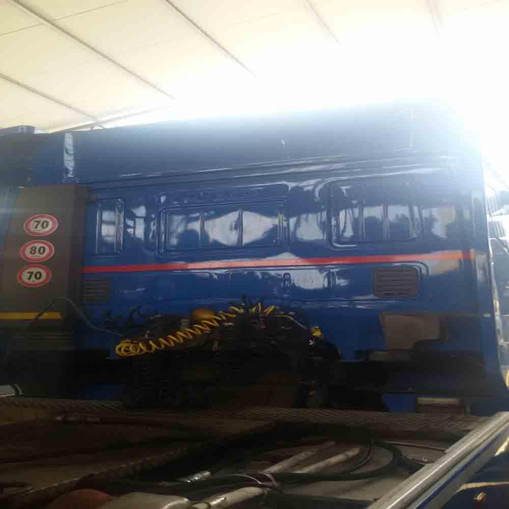 Trattore stradale Iveco 440 usato per semirimorchio