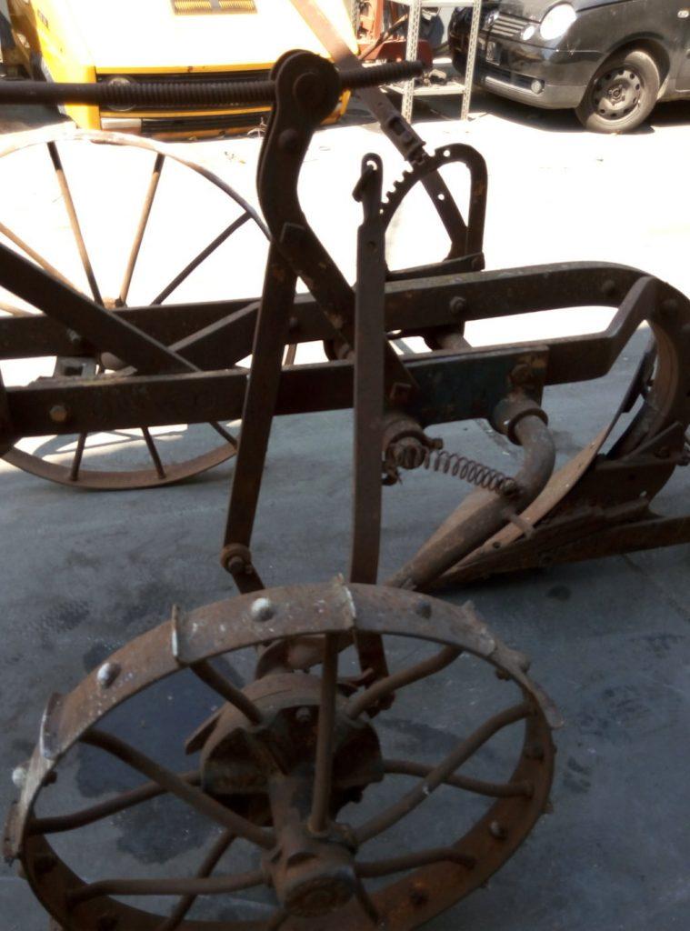 aratro antico con ruote (3)