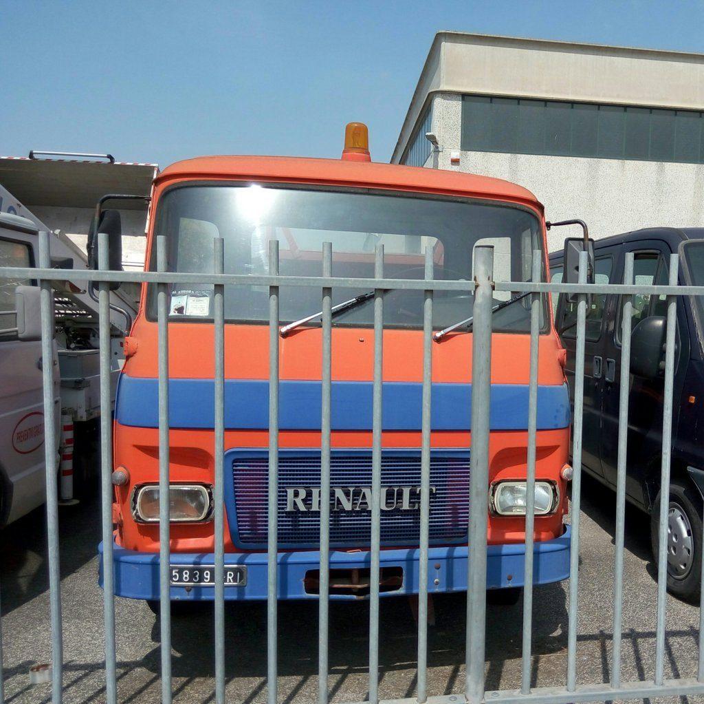 renault – veicolo storico – carro attrezzi