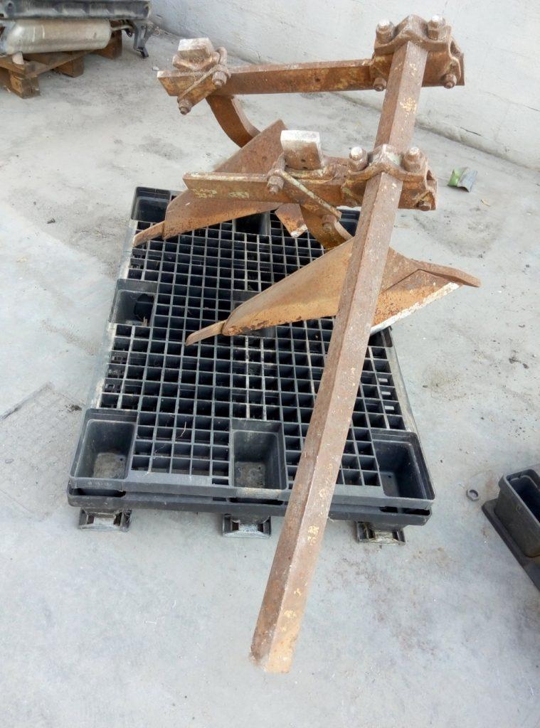 doppio aratro in ferro – usato (1)