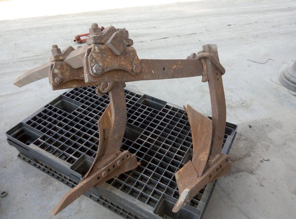 doppio aratro in ferro – usato (2)
