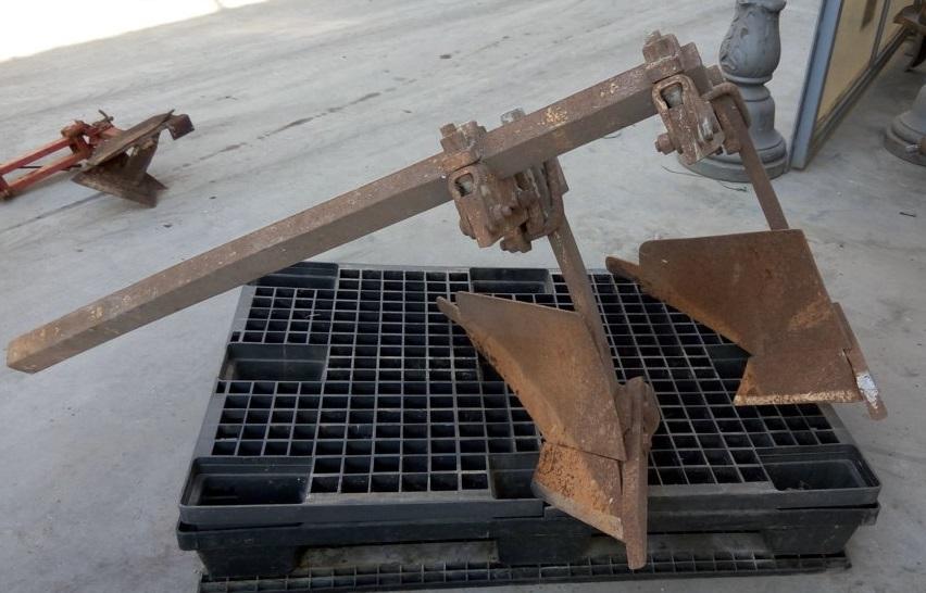 doppio aratro in ferro – usato (3b)