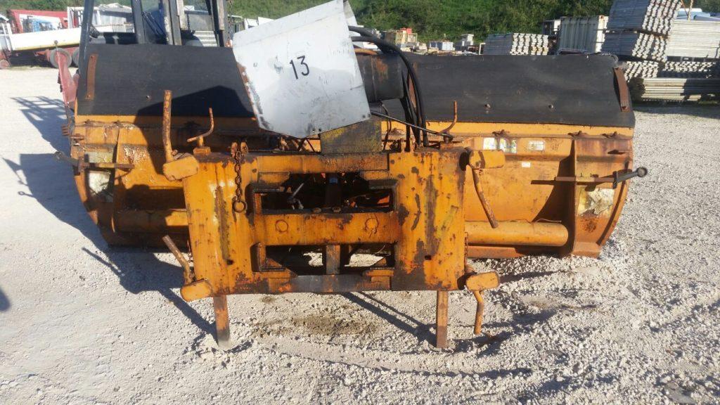 attrezzatura e macchinari per la neve-ex-anas (13)