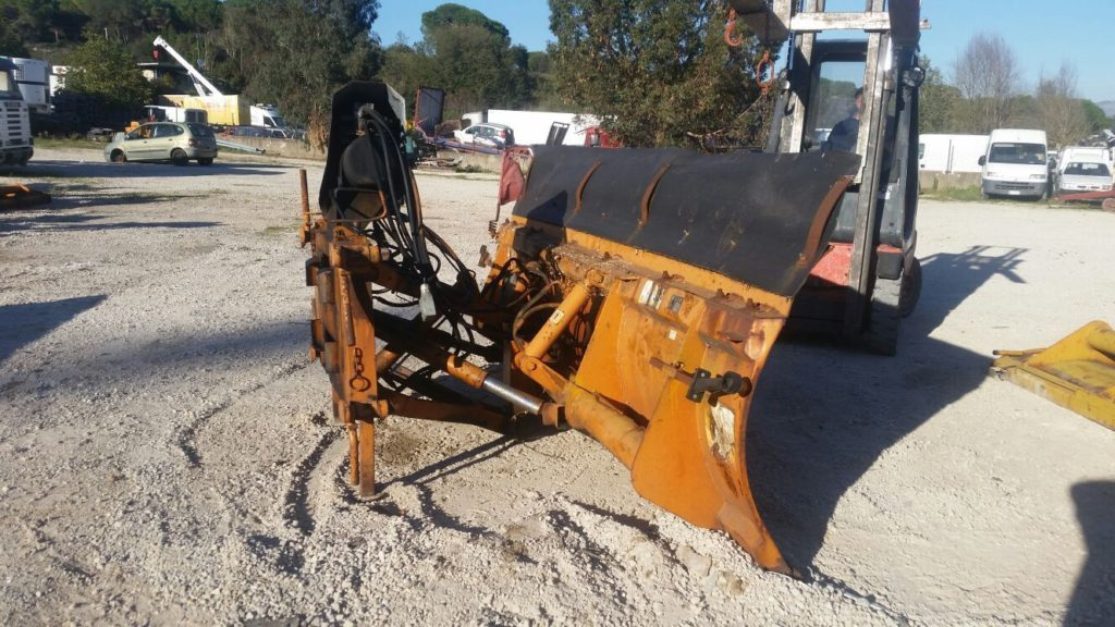 attrezzatura e macchinari per la neve-ex-anas (14)