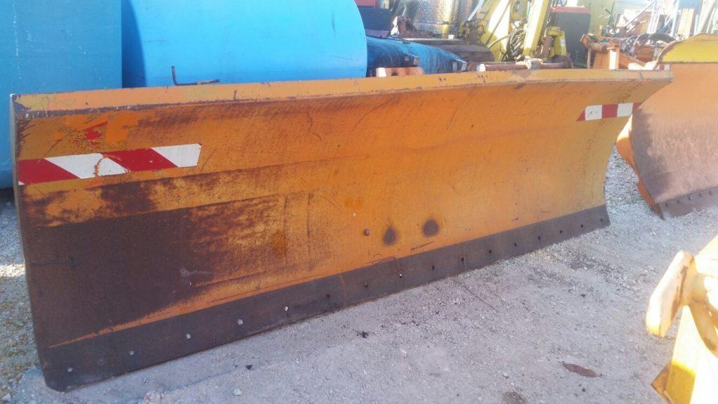 attrezzatura e macchinari per la neve-ex-anas (15)