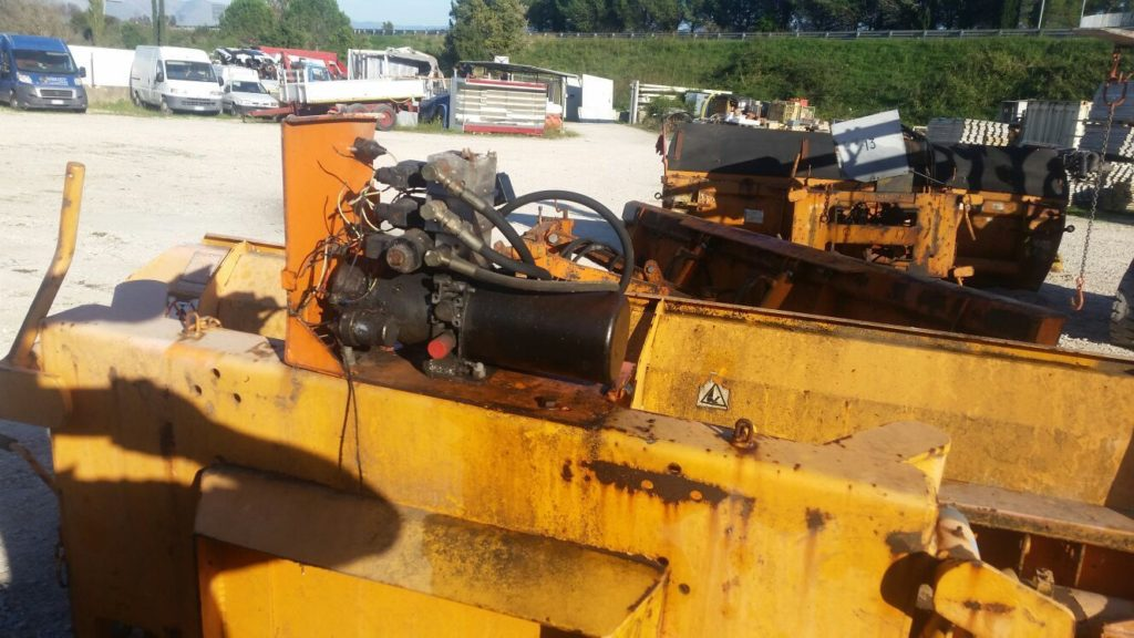 attrezzatura e macchinari per la neve-ex-anas (16)