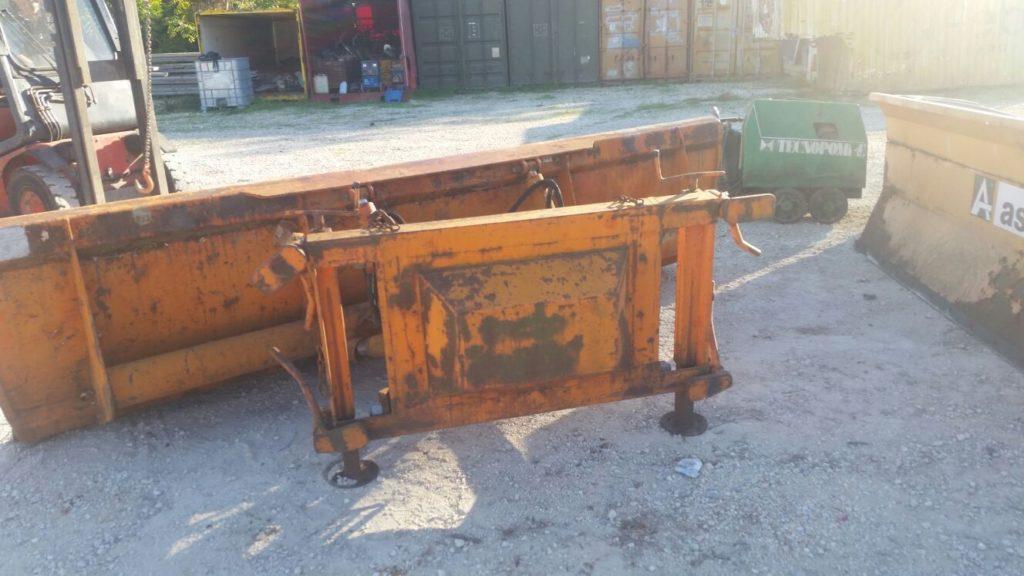 attrezzatura e macchinari per la neve-ex-anas (18)