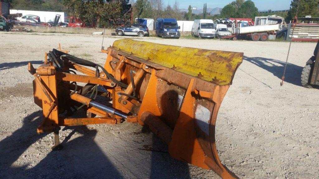 attrezzatura e macchinari per la neve-ex-anas (22)