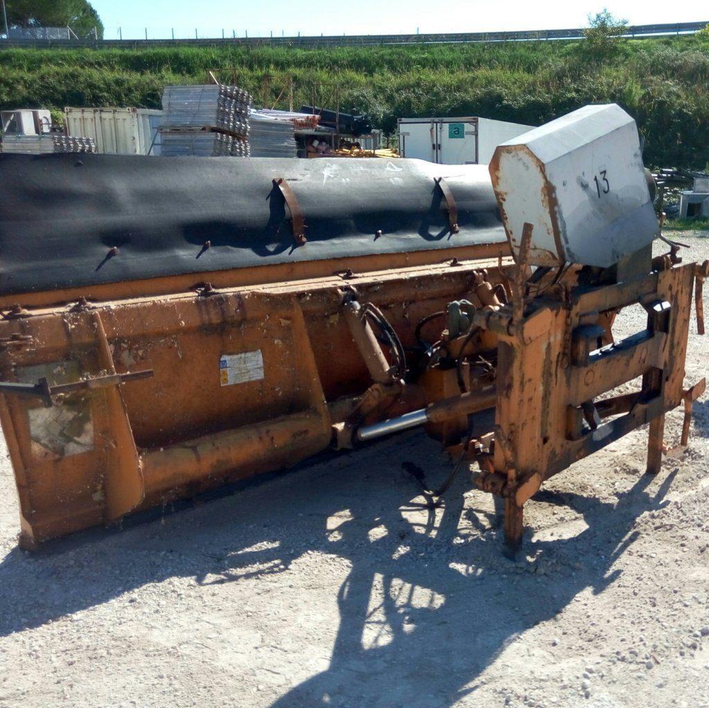 attrezzatura e macchinari per la neve-ex-anas (32)