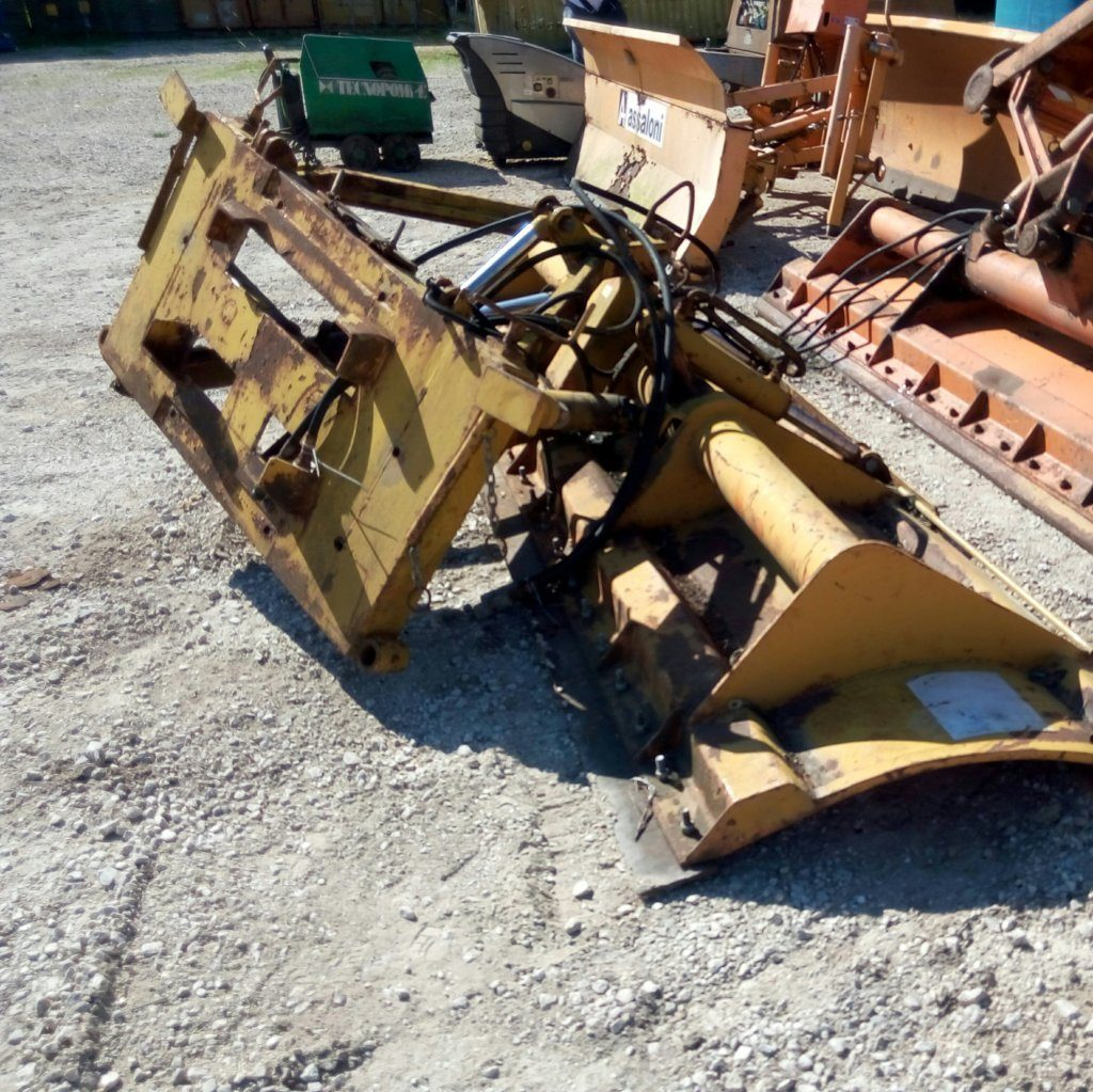 attrezzatura e macchinari per la neve-ex-anas (39)