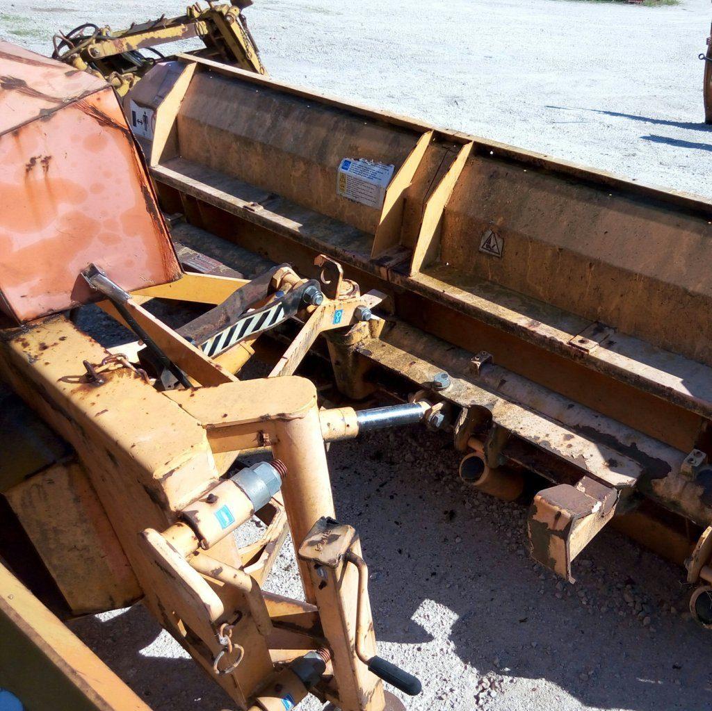 attrezzatura e macchinari per la neve-ex-anas (44)