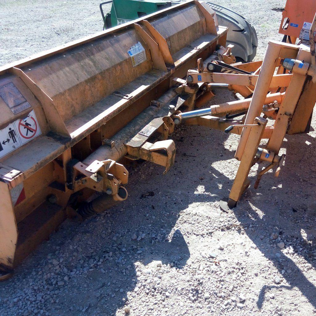 attrezzatura e macchinari per la neve-ex-anas (47)