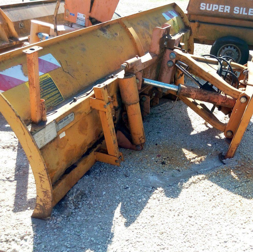 attrezzatura e macchinari per la neve-ex-anas (51)