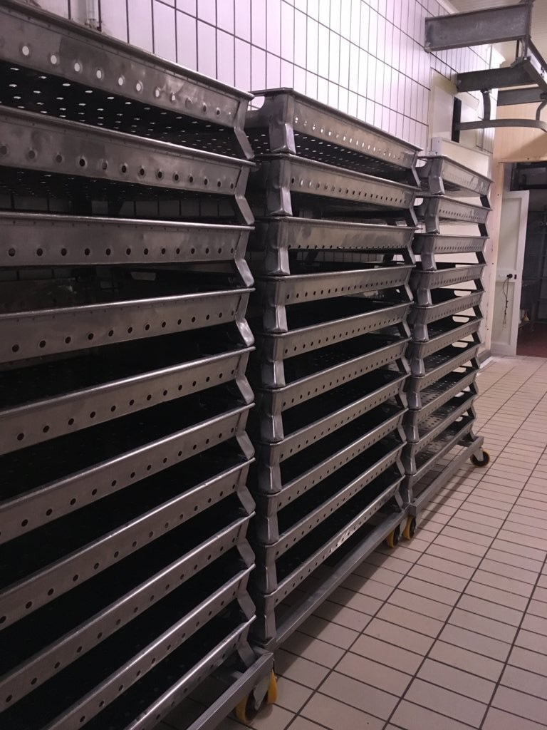 attrezzatura da lavoro | attrezzatura industriale | attrezzatura commerciale | usato come nuovo | per industrie o aziende alimentari | macellerie | salumificio | Pomilids | Pomili Demolizioni Speciali srl