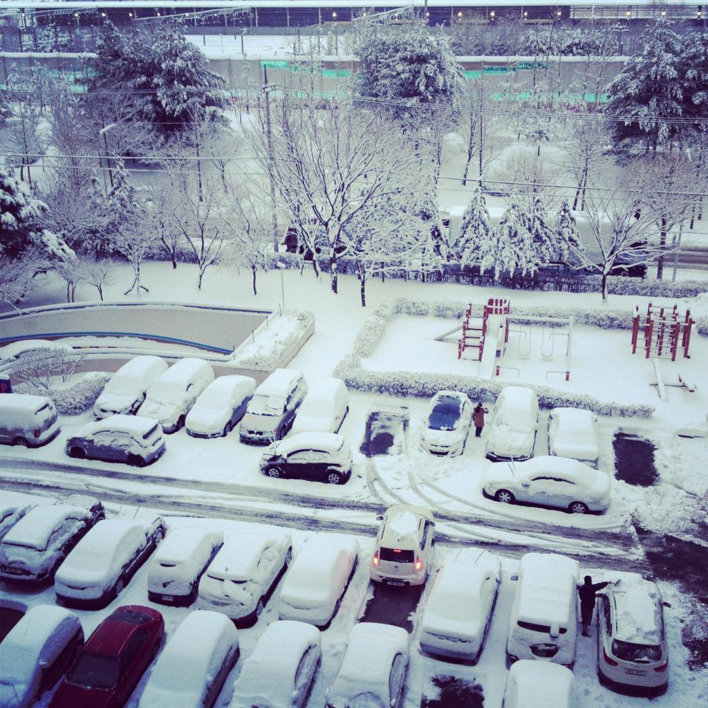 Inverno | neve | ghiaccio | snow | tracce pneumatici | gomme invernali