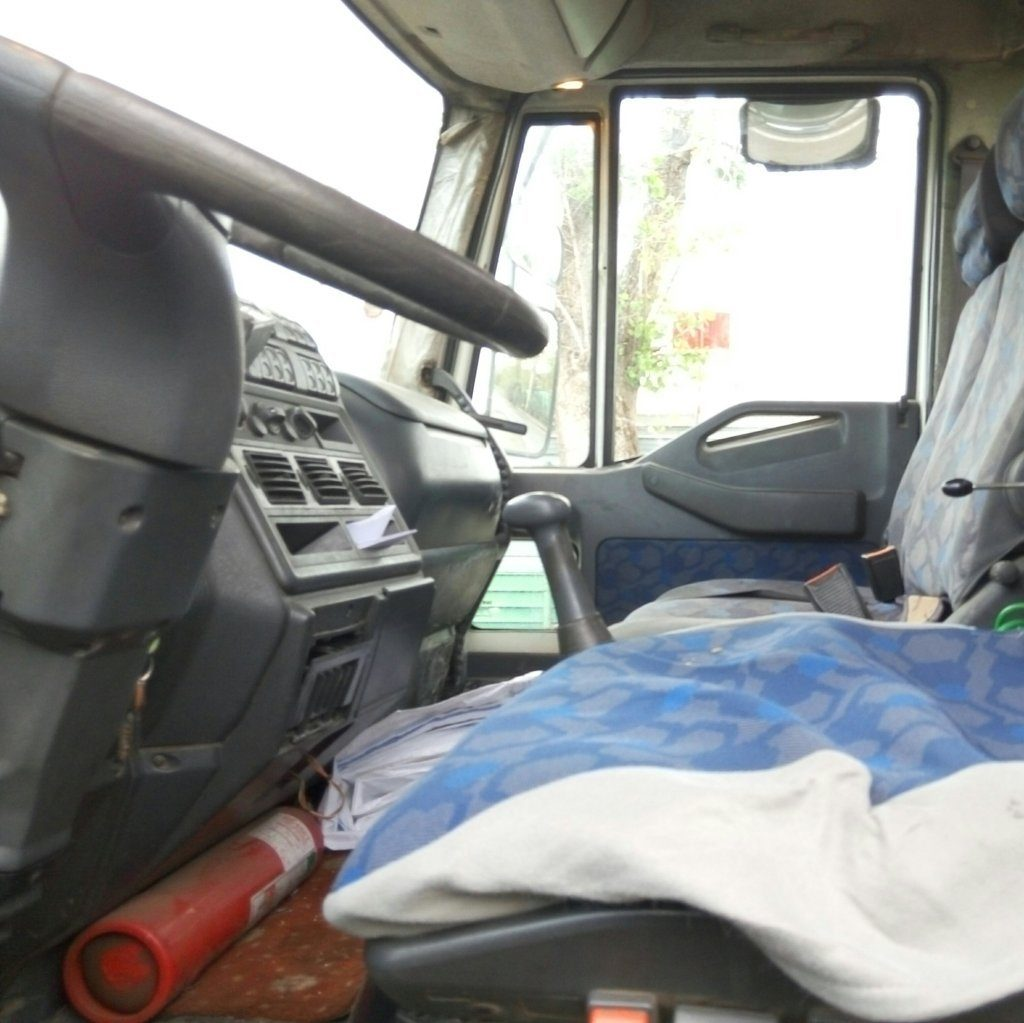 Camion Iveco scarrabile 2005 (14)