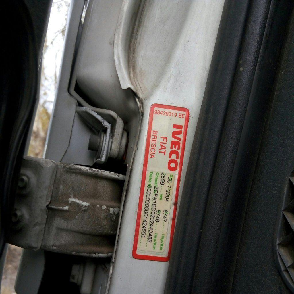 Camion Iveco scarrabile 2005 (15)