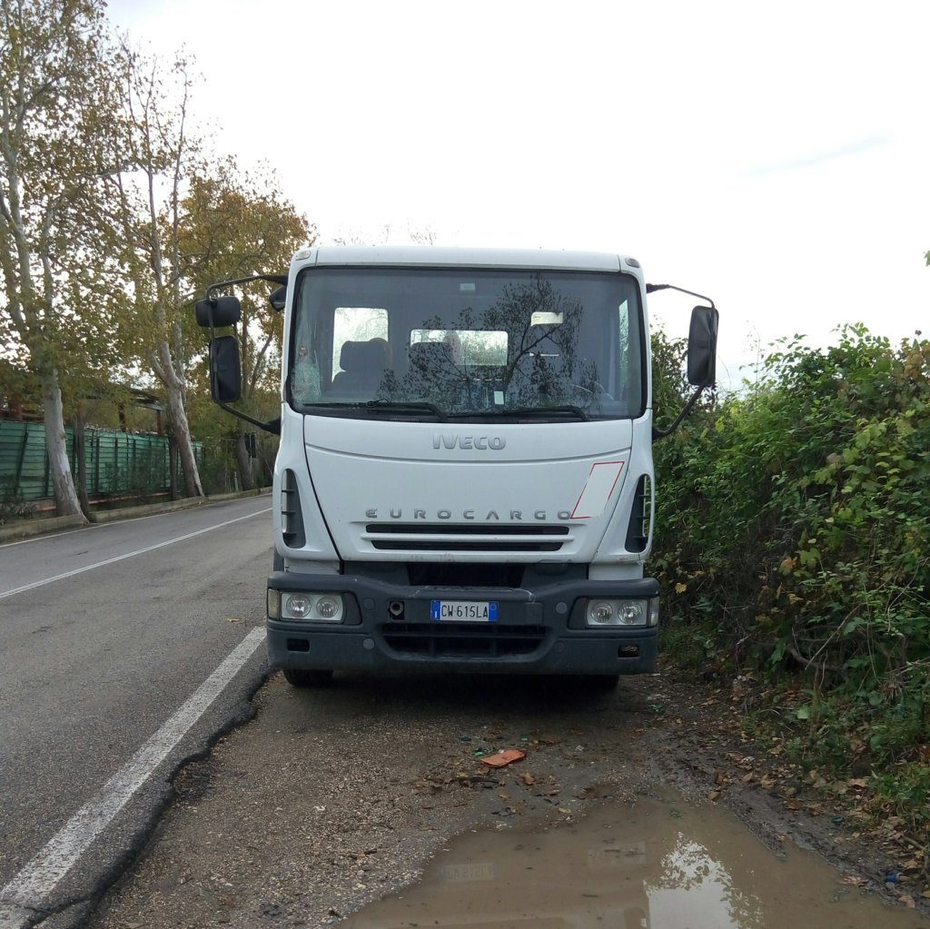 Camion Iveco scarrabile 2005 (2)