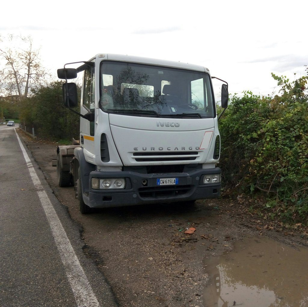Camion Iveco scarrabile 2005 (3)