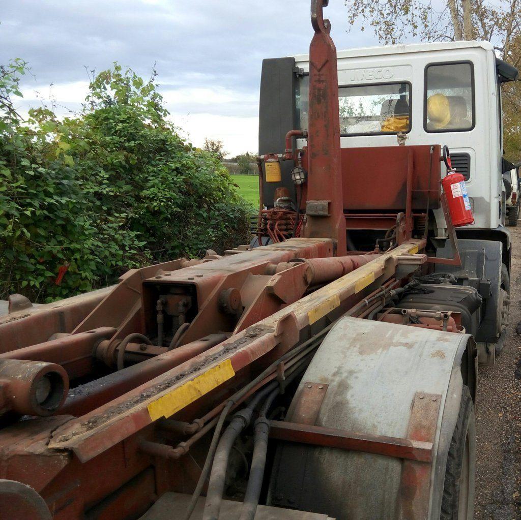 Camion Iveco scarrabile 2005 (5)
