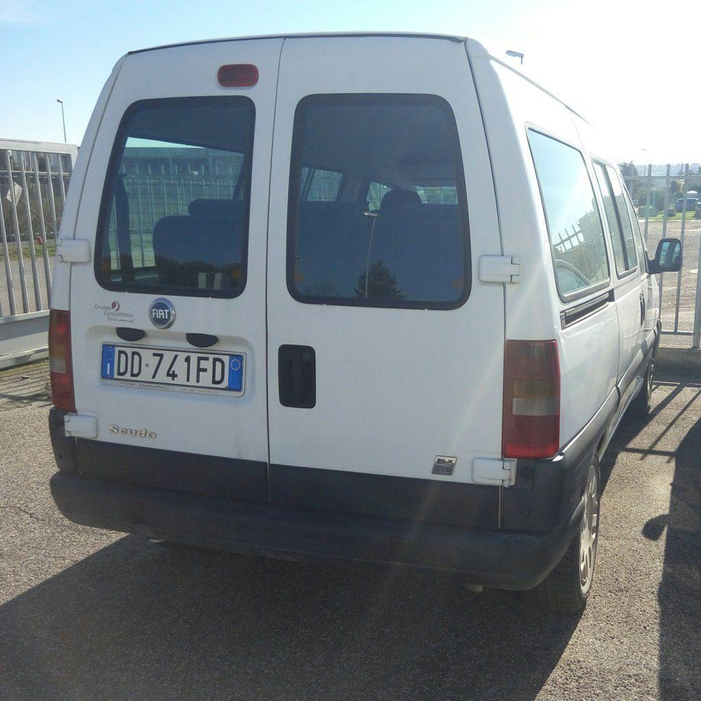 Fiat Scudo minivan (1)