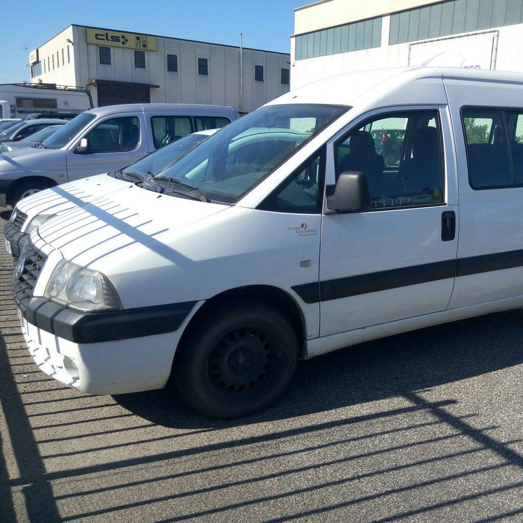 Fiat Scudo minivan (4)