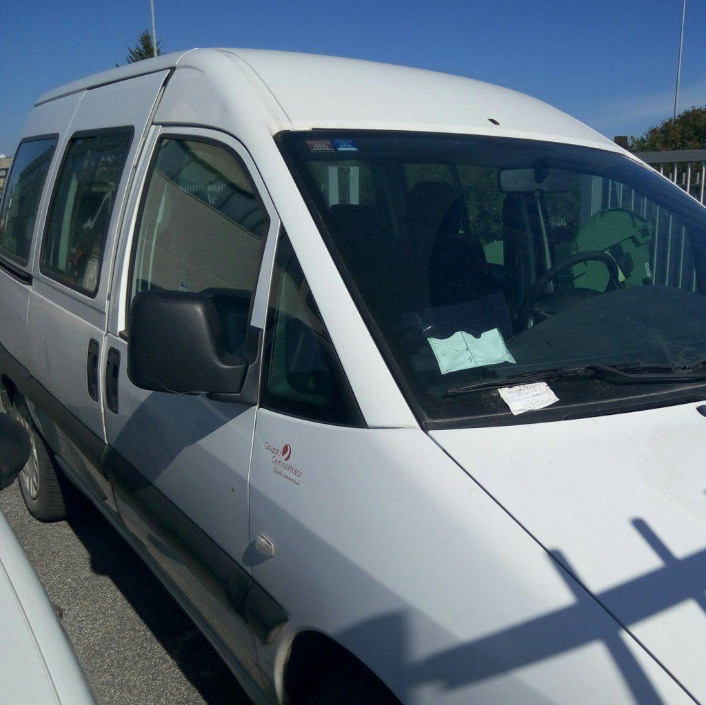Fiat Scudo minivan (6)