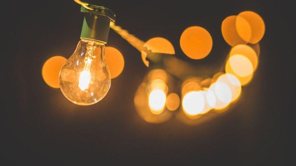 luce-elettricita-generatore-lampadina