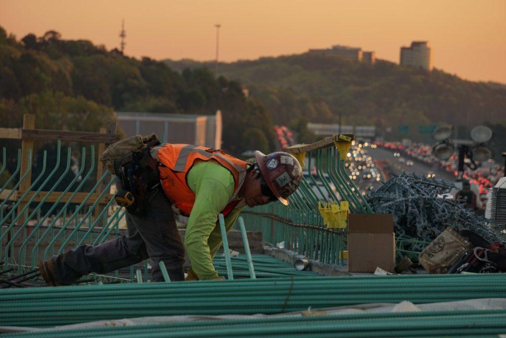 Lavoro | Festa del lavoro | Demolizioni impianti ed edifici | Recupero metalli | Pomilids | Pomili Demolizioni Speciali srl