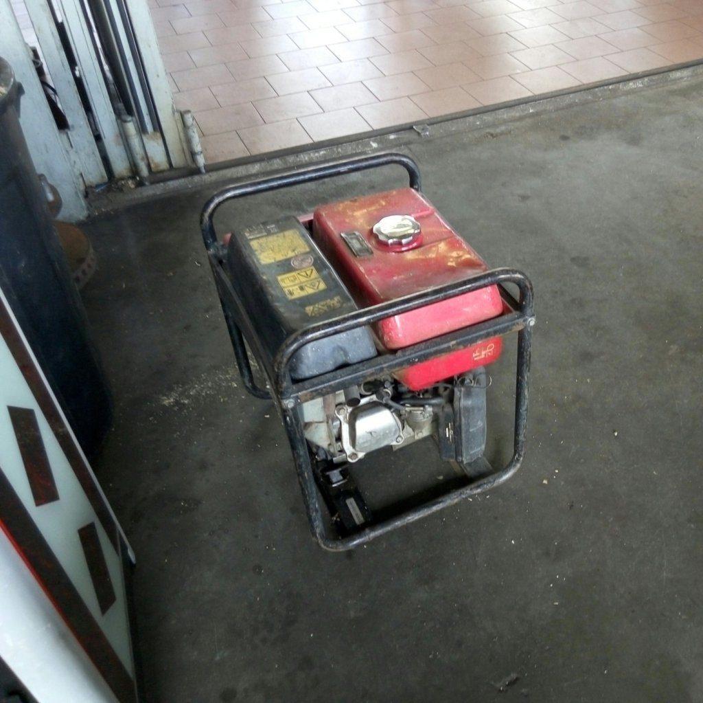 Gruppo elettrogeno EM25 Honda – Generatore usato – Pomilids (7)