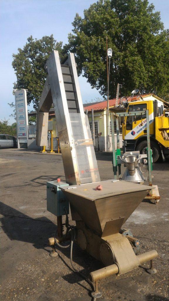 macchinario per pulitura olive