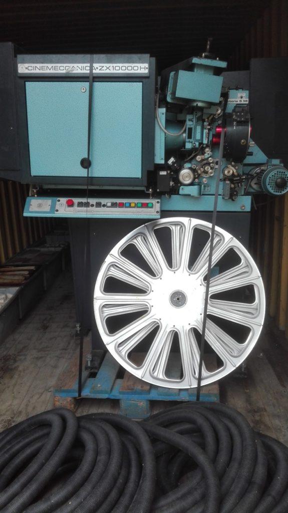Proiettore cinematografico (1)