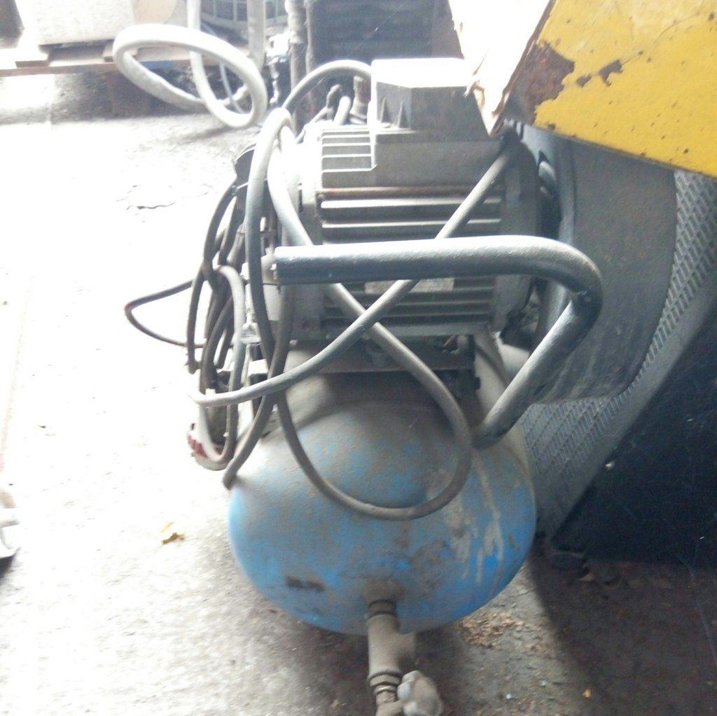 Compressore 24LT, HP 1.5 usato in buone condizioni.
