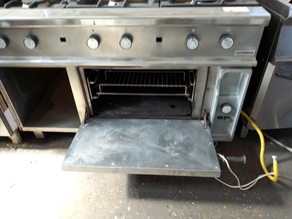 cucina 6 fuochi con forno