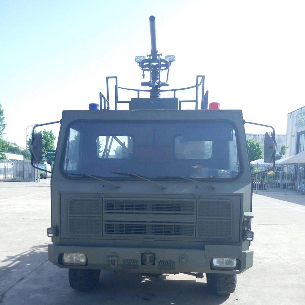 Veicolo antincendio Sirmac Rampini modello Vulcano (1)
