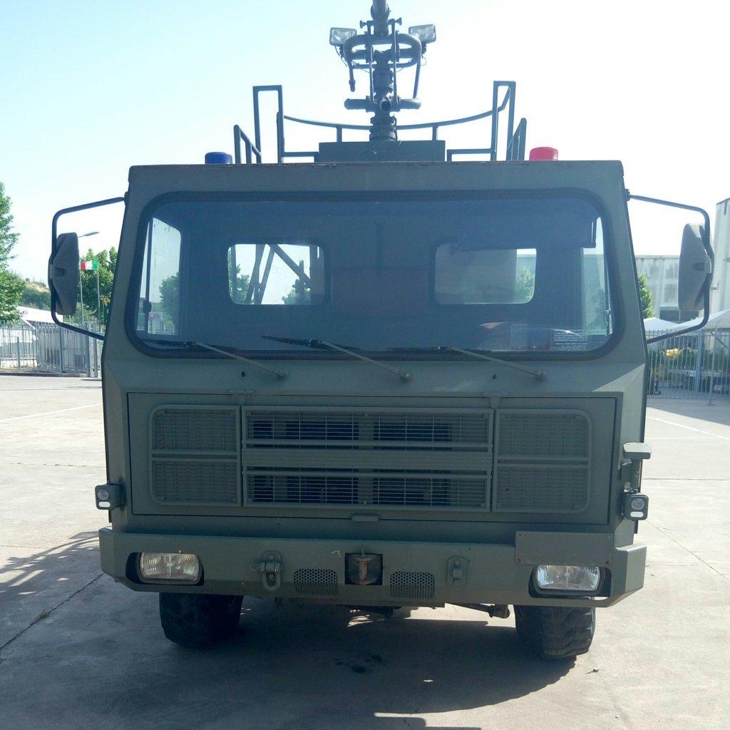 Veicolo antincendio Sirmac Rampini modello Vulcano (20)