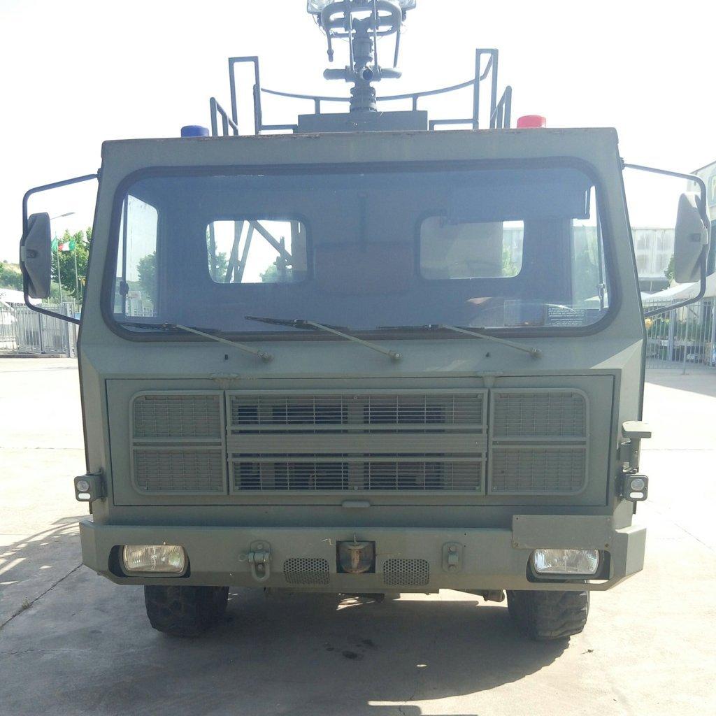 Veicolo antincendio Sirmac Rampini modello Vulcano (21)