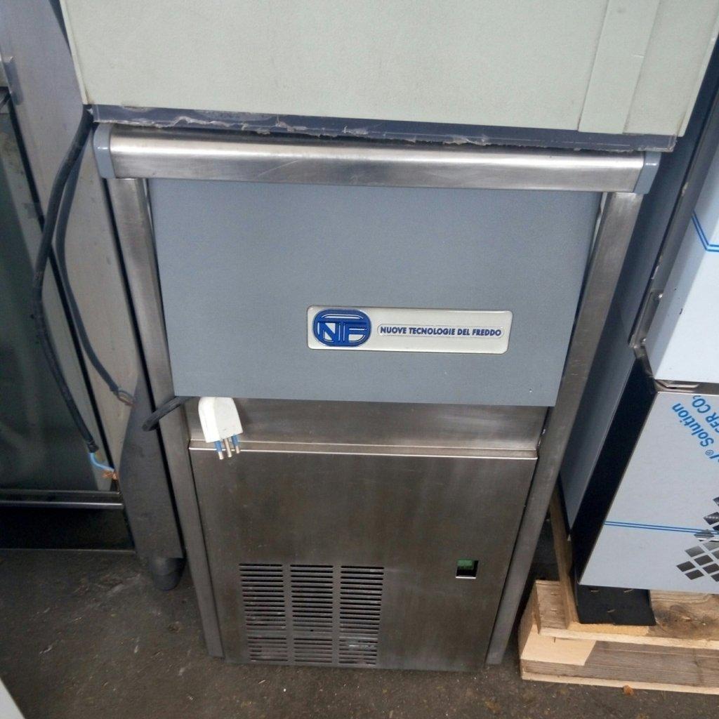 fabbricatore di ghiaccio (6)