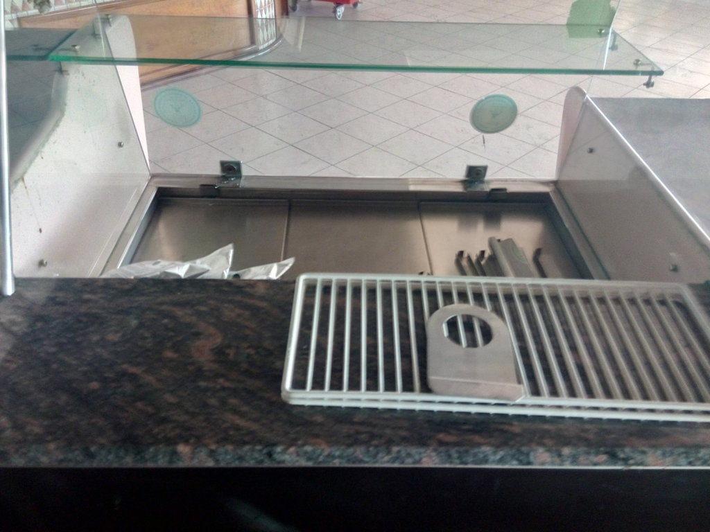 Bancone completo per bar o gelateria (9)