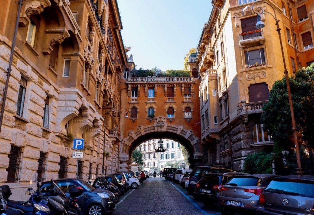 Auto e motorini a Roma