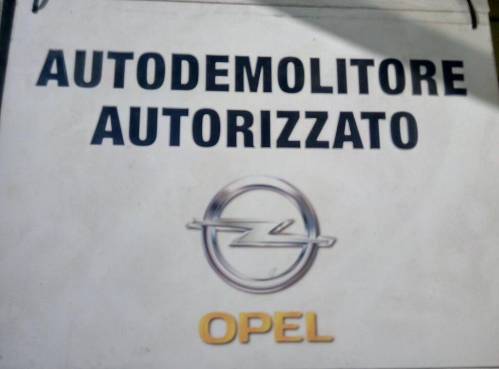 Pomili Demolizioni Speciali Autodemolizione autorizzata Opel