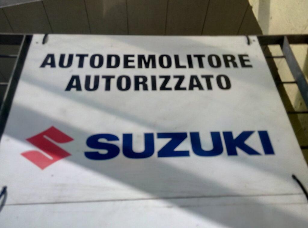 Pomili Demolizioni Speciali Autodemolizione autorizzata Suzuki