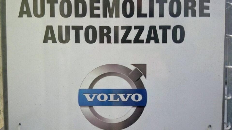 Pomili Demolizioni Speciali autodemolizione autorizzata Volvo