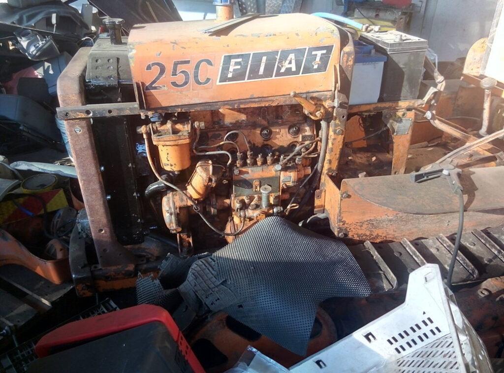 Trattore Fiat 25C da ricondizionare (5)