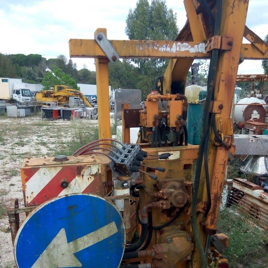 Braccio decespugliatore idraulico per trattore usato